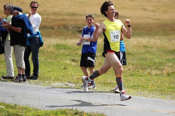 Gewinner des 2-Seen-Laufs auf der Melchsee-Frutt: Egon Auchli aus Engelberg. (Bild: Roger Zbinden/Neue LZ)