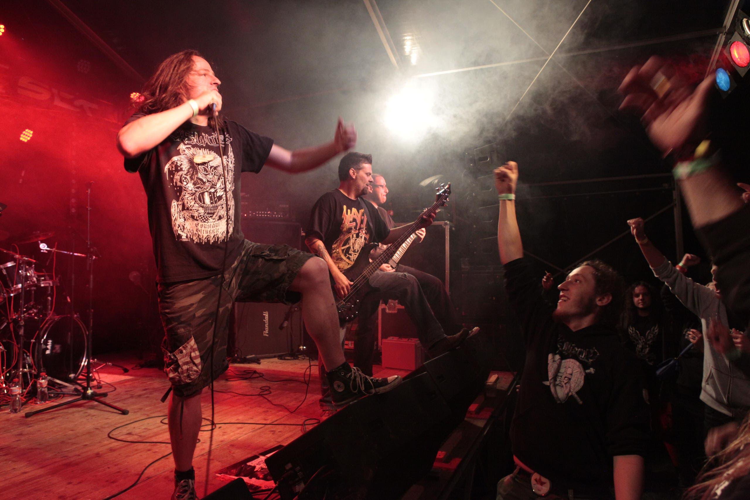 Die Band Blow Job bei ihrem Auftritt am Samstagabend (Bild: Florian Arnold (Neue UZ))