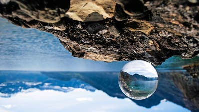 UDLIGENSWIL: Seya Egglers wunderbare Welt durch die Glaskugel