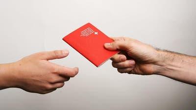 LUZERN: Regierung verweigert Familie zu Unrecht den Schweizer Pass