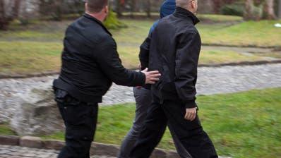 Schwyz: Alle drei Angeklagten müssen nach Überfall in Ibach ins Gefängnis
