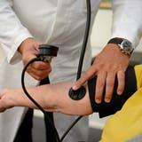 Ambulant vor stationär: Kassen und Ärzte zweifeln Luzerner Bilanz an