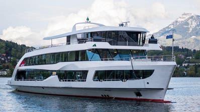 LUZERN: Das Motorschiff Diamant ist wieder flott