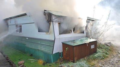 FLÜHLI: Wohnwagen brennt auf Campingplatz Thorbach komplett aus
