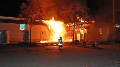 Migrolino in Reiden geht in Flammen auf