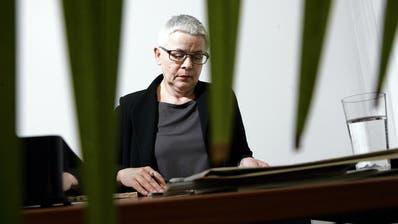 OMBUDSSTELLE: Zuger Ombudsfrau will Juristensprache für Laien verständlich machen