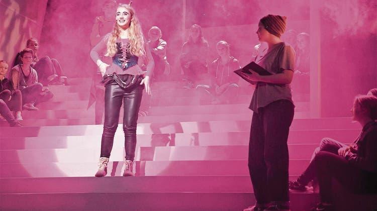 SARNEN: Tiefempfundenes Theater berührt Publikum