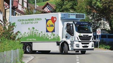 Die E-Lastwagen rollen an