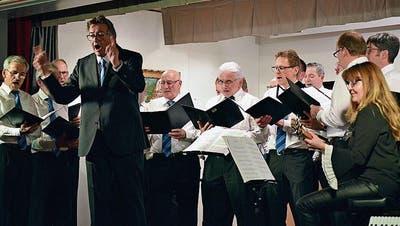 BUCH: Der Saal mutiert zum Chor