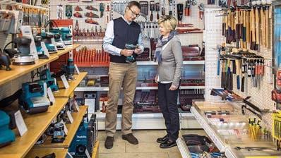 WEINFELDEN: Conrad strafft das Geschäft
