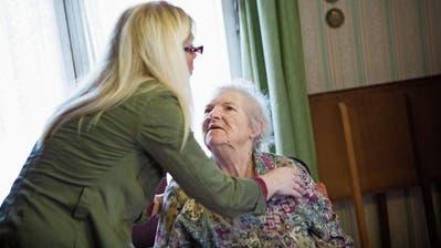 ST.GALLEN: Moderne Sklaverei - werden Pflegemigrantinnen in St.Gallen ausgebeutet?