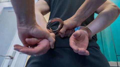Vergewaltiger sollen auf jeden Fall hinter Gitter