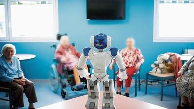 PFLEGE: Roboter gegen die Einsamkeit