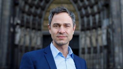 VERSCHWÖRUNGSTHEORIEN: Verschwörungsstar verliert Lehrauftrag: Auch Uni St.Gallen lässt Daniele Ganser fallen