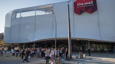 Die Mall of Switzerland. Bild: Boris Bürgisser (Ebikon, 18. Oktober 2017)