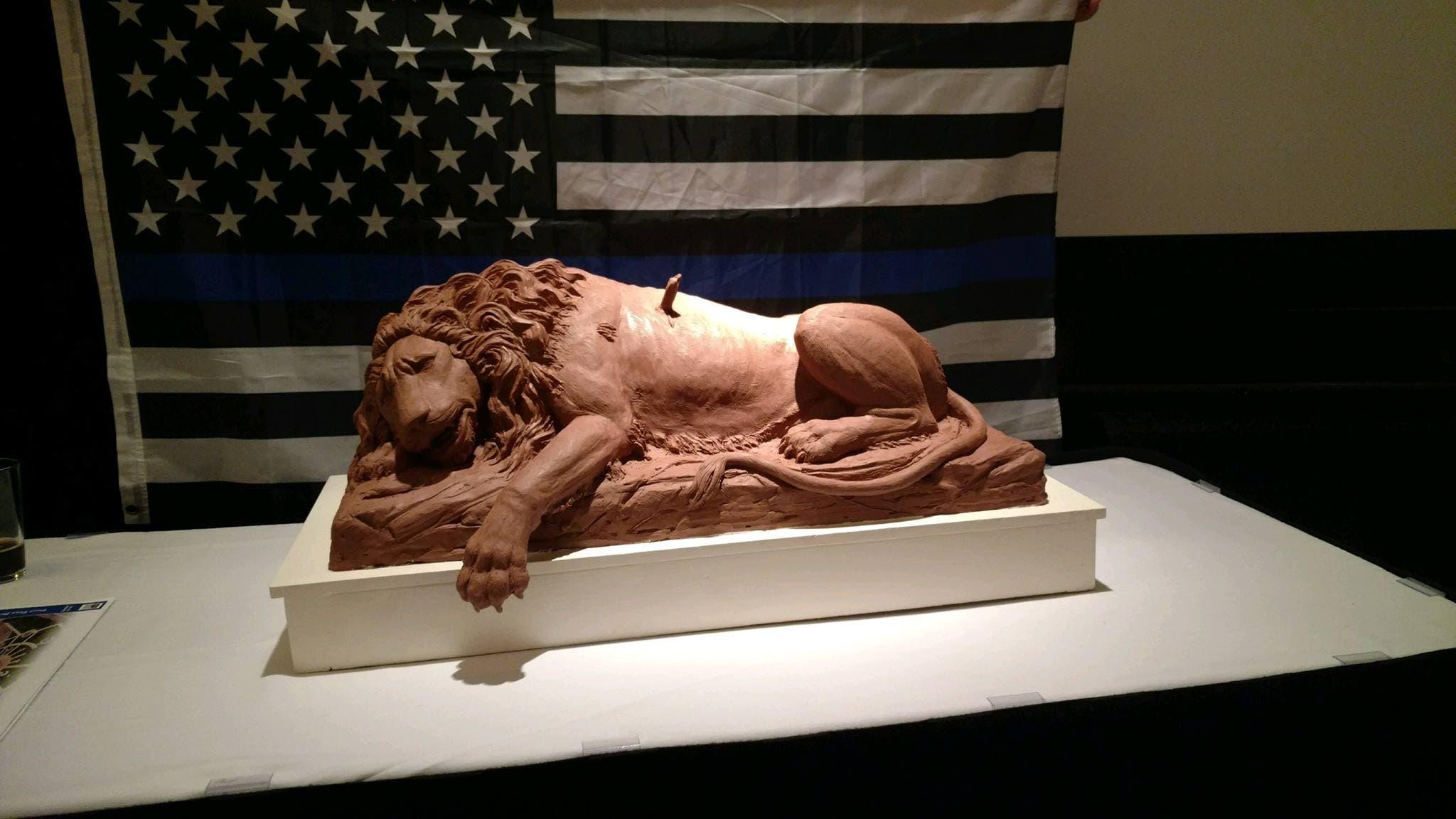 Modell des Denkmals. Bilder: Pikes Peak Region Peace Officers' Memorial