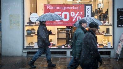 Inzwischen ein gewohntes Bild: Räumungsverkauf in einem Geschäft in der St.Galler Altstadt. (Bild: BenjaminManser - 2. Februar 2015)