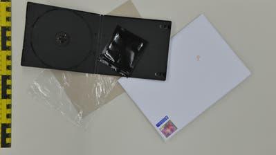 Der festgenommene Luzerner versandte die Drogen in DVD-Hüllen.Bild: PD