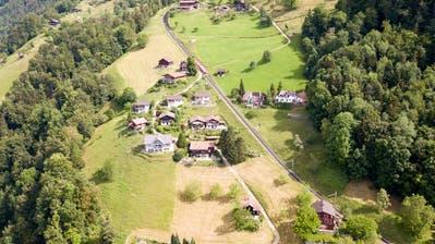 Das Gebiet Schwanden ob Vitznau ist durch die Rigibahn erschlossen. (Bild:RogerGrütter (Vitznau, 28. Mai 2018))