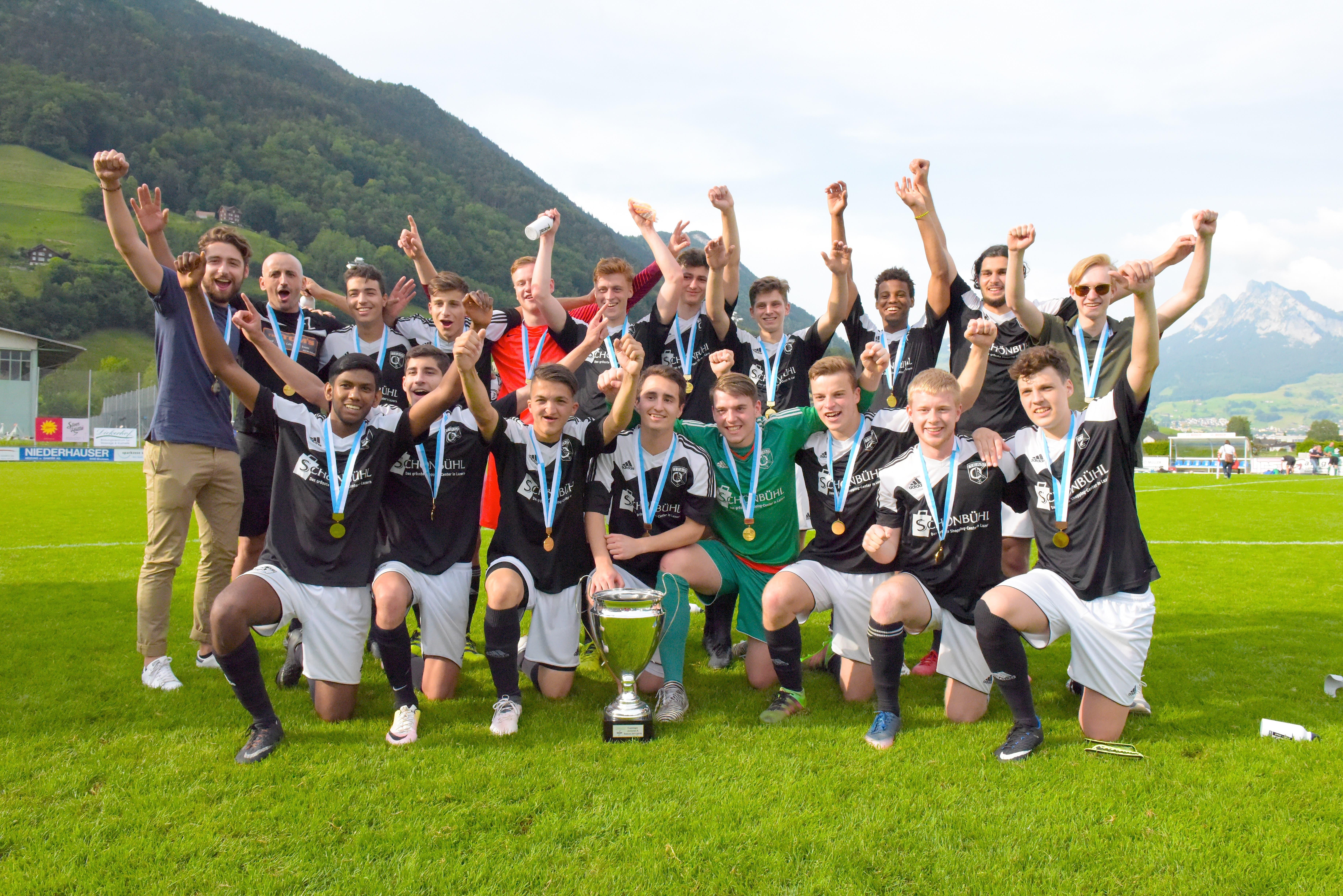 Die siegreichen A-Junioren des Teams Obergeissenstein/Kickers. (Bild: Michael Wyss (Brunnen, 31. Mai 2018))