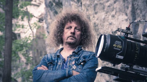 Lukas Gasser soll bei «Tell - A Story» Regieführen. (Bild: Monika Baechler)