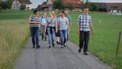 Auch Stadtpräsidiumskandidaten und Stadträte liefen bei der 13. Amriswiler Wandernacht mit. (Bild: PD)