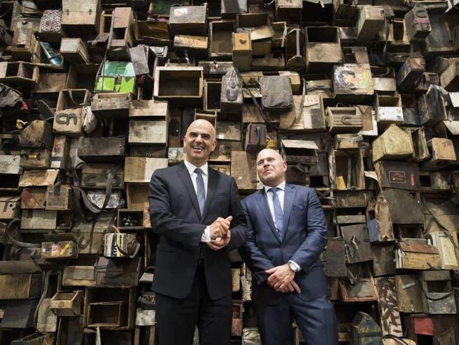 Kunstmesse: Art Basel: Schillernde Künstlerkritik für