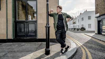 Marius Bear, gebürtiger Appenzeller, in London: «Irgendwann singe ich sicher wieder in Mundart.» (Bild: Rob Lewis)