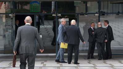 Ankunft der Delegierten der Raiffeisen Gruppe Schweiz an der Delegiertenversammlung am Samstag, 16. Juni 2018 in Lugano. (Bild: Keystone)