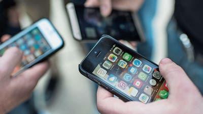Ersetzt das Handy bald die Lehrmittel?