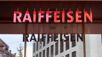 Logo der Raiffeisenbank am Hauptsitz in St. Gallen. (Bild: Gaetan Bally/Keystone)
