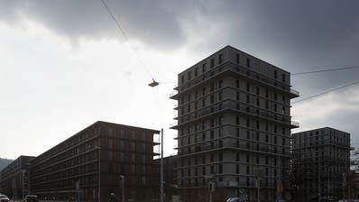 Dunklere Wolken im Wohnimmobilienmarkt: Die Ungleichgewichte haben sich laut der Schweizerischen Nationalbank erhöht. (Bild: Gaetan Bally/Keystone)
