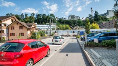 An der Cheerstrasse gibt es besonders starke Übertretungen der Lärm-Grenzwerte. (Bild: Roger Rüegger, 8. September 2015)