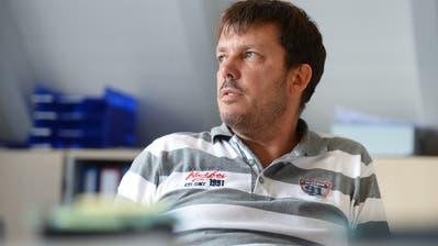 Gemeindepräsident Urs Rutishauser wurde am Donnerstagabend zu seinem Lohn befragt. (Bild:Nana do Carmo/ 09.07.2014)