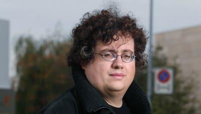 Stefan Thöni von der Piratenpartei schafft den Einzug ins Zuger Verwaltungsgericht nicht.Bild: Stefan Kaiser (Zug, 4. Oktober 2017)