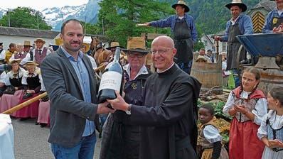 Der erste Klosterwein ist in Engelberg eingetroffen
