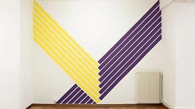 Im St.Galler Kunstraum Nextex stellt sich die Frage: Sind wir in einer Ausstellung oder in einem Möbelhaus?