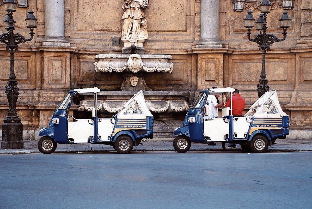 Taxis an der Strassenkreuzung «Quattro Canti». (Bild: Bilder:)