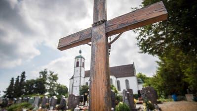 Blick auf den den Friedhof und die Basilika St. Ulrich in Kreuzlingen. (Bild Reto Martin)