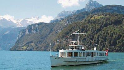 Das Motorschiff Mythen, hier ein Bild von 2006, wurde repariert. (Bild: Luzerner Zeitung)