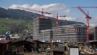 In Kriens wird fleissig gebaut. Hier die Überbauung Mattenhof. (Bild:Dominik Wunderli, Kriens, 10. April 2018)