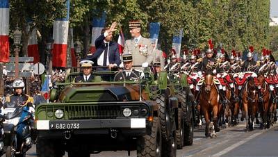 Frankreich begeht Nationalfeiertag mit Militärparade