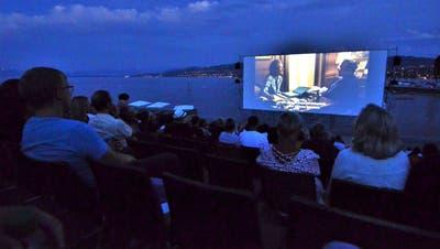 Kinoleinwand vor Seekulisse: Meryl Streep als «Post»-Verlegerin. (Bild: Max Eichenberger)
