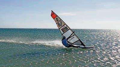 Heidi Ulrich aus Flüelen ist die schnellste Windsurferin der Welt. (Bild: PD)