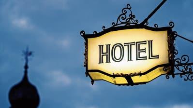 Provisionen nagen am Gewinn: Buchungsgigant beherrscht den Hotellerie-Markt