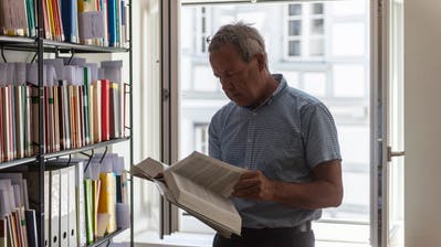 Kreisgerichtspräsident Peter Frei in seinem Büro am Bohl 1. (Bild: Hanspeter Schiess)