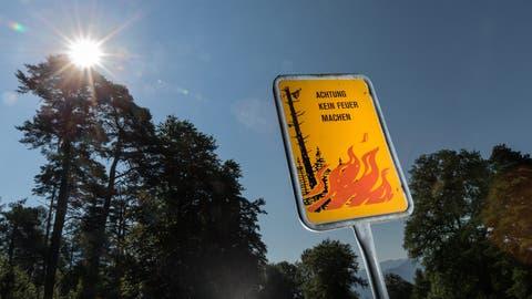 Es herrscht Waldbrandgefahr in weiten Teilen der Schweiz. (Bild: Arno Balzarini/Keystone)