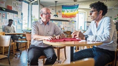 Ein Gast wird zum Gastgeber befördert im KreuzlingerFlüchtlingscafé