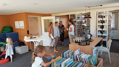 Wegen Platzmangel: Die Häggenschwiler haben eine Bibliothek in der«Krone»