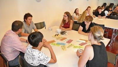 Die Workshopteilnehmer sind konzentriert bei der Sache. Bild: PD